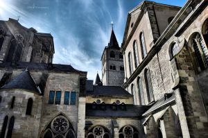 Trierer Dom by m3tzgore
