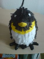 Penguin Pinata by superzebra