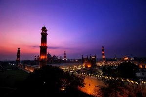 Badshahi Mosque by nozibz