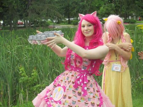Pinkiepie Animenext2013 cupcake flip! by CrownPrincessLaya