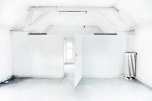 White room by ReachingFlames