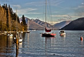 Queenstown Lake by christelburger