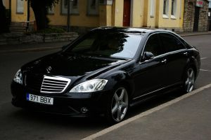 Black Mercedes-Benz S-class by ShadowPhotography