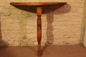 Roman table table romaine by Ambassadeur-Krohn