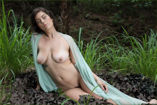 Jane in tall grass 15 by DPAdoc