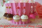 Cupcake Earrings by lessthan3chrissy