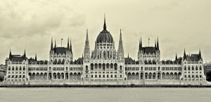 hungarian parliament by jagamite
