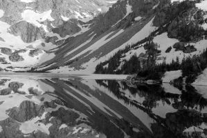 Alpine Mirror by yenom