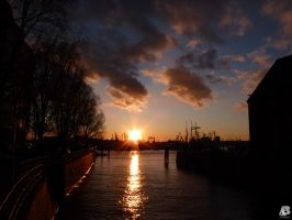 Hamburg Sun by IndianRain