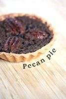 Pecan pie by Miyu-Maneki