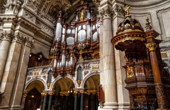 Berlin Cathedral - Inside 3 by pingallery