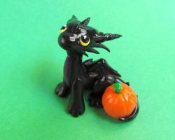 Pumkin Dragon by DragonsAndBeasties