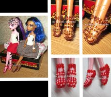 Shoes made from beads for a Monster High dolls by Nastea-AnyMash