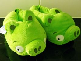 Bad Piggies warm house slippers by Gallade007