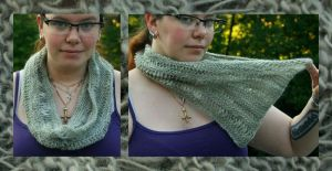 Grey dropped stitch cowl by KnitLizzy