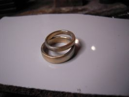 yellow withe wedding ring by Debals