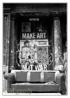 Make Art ... Not War by divagation