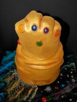 Thanos' Infinity Gauntlet CAKE by Diotima96
