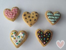 Heart magnets: Etsy item by Amphany