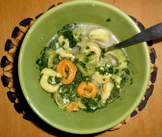 Tortellini Spinach Soup by Sumbdumbkid