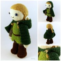 Amigurumi Elf - Hooded Cloak by SuniMam
