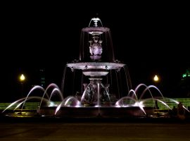 Fountain by blindtetra