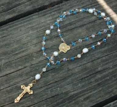 Mom's Rosary by lvegadesign