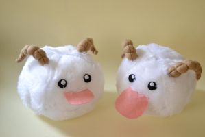 League Of Legends - Poro by TheDarkLittleBunnY