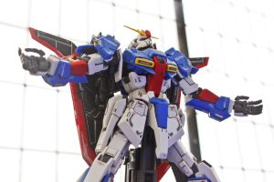 Z Gundam on the Roof 7 by HiroyRaind