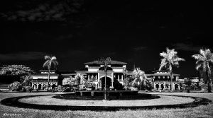 Maimon Palace in BW by hirza