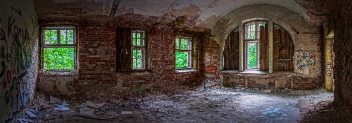 Abandoned psychiatric hospital Zofiowka by Lantret