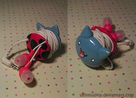 Catbug Earbud / Earphone Organizer by LadyMudkip