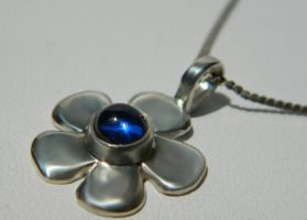 Silver flower pendant with awesome blue sapphire by YANKA-arts-n-crafts