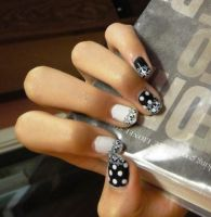 Black and White Polka Dots Nails by wushini