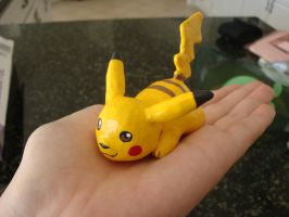 Pikachu sculpt by Glowy-chan