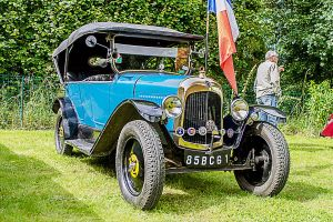 old car Vieille voiture Fye Sarthe France by hubert61