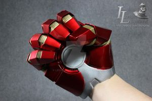 Ironman MK17 Heartbreaker Glove 04 by Leonardis7