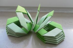 Origami Green Slinky by fleecyblue