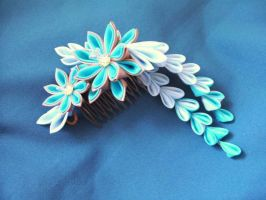 Custom bridal dahlia on comb by elblack