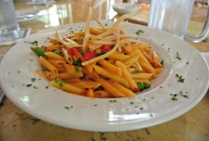 Spicy Chicken Penne by Shinseigo-Takashi