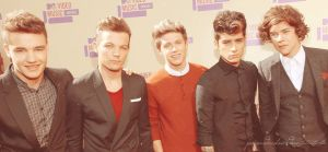One Direction at VMA'12 by pompasdecolores