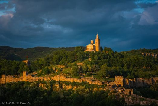 Sunset over the fortress by Zelma1