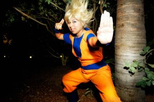 TALK TO THE HAND- Goku Cosplay by Oniakako