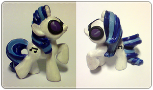 Vinyl Scratch custom painted by xNIR0x