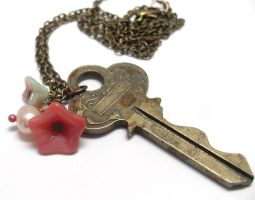 Rose Garden Vintage Key and Pearl Necklace by sojourncuriosities