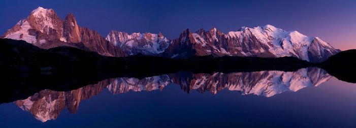 Cheserys Lake at dusk... by vincentfavre