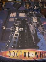 To sleep under the cover of the Tardis by LuciaDuvant