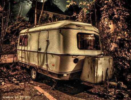 Camping Fallout by PikNicx