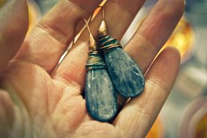 earring from copper by honeypunk