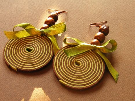 Brown and green with ribbon by Flos-Caeli
